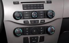 2009 Ford Focus interior