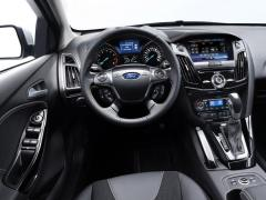 2011 Ford Focus Photo 2