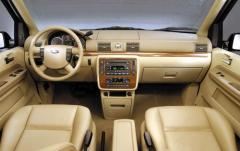 2005 Ford Freestar interior