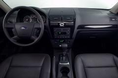 2007 Ford Fusion interior