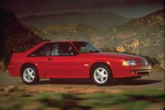 1991 Ford Mustang Photo 2