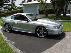 1994 Ford Mustang Photo 2
