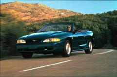 1995 Ford Mustang Photo 2