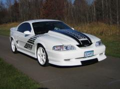 1995 Ford Mustang Photo 3