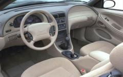 1999 Ford Mustang interior