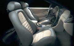 2001 Ford Mustang interior