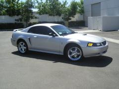 2001 Ford Mustang Photo 2