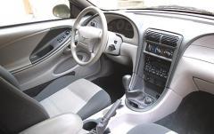2002 Ford Mustang interior