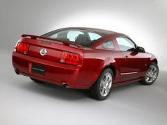 2005 Ford Mustang V6 Deluxe Coupe Photo 6