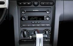 2009 Ford Mustang interior