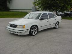 1990 Ford Taurus Photo 1