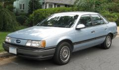 1991 Ford Taurus Photo 1