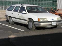 1991 Ford Taurus Photo 4