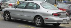 1996 Ford Taurus Photo 4