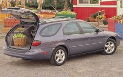 2000 Ford Taurus exterior