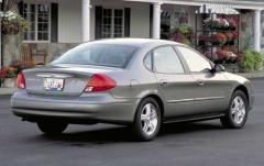 2002 Ford Taurus exterior