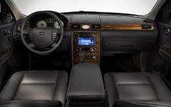 2008 Ford Taurus interior