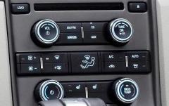 2011 Ford Taurus interior