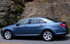 2011 Ford Taurus exterior