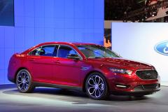 2013 Ford Taurus Photo 2