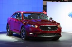 2013 Ford Taurus Photo 1