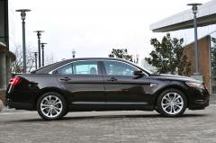 2015 Ford Taurus exterior