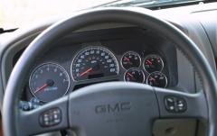 2002 GMC Envoy interior
