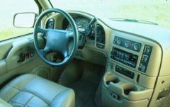1998 GMC Safari interior