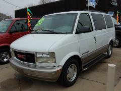 2002 GMC Safari Photo 3