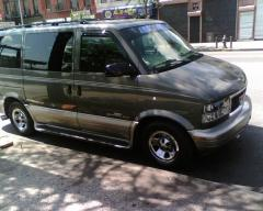 2002 GMC Safari Photo 5