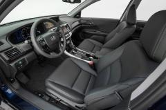2014 Honda Accord Hybrid interior