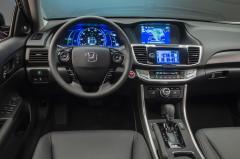 2014 Honda Accord Hybrid Photo 2