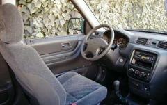 1997 Honda CR-V interior