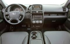 2005 Honda CR-V interior