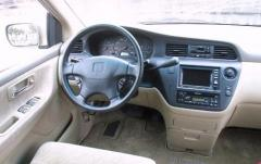 2000 Honda Odyssey interior