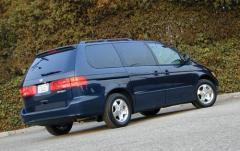 2000 Honda Odyssey exterior