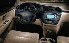 2001 Honda Odyssey interior