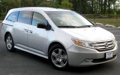 2010 Honda Odyssey Photo 1