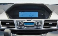 2011 Honda Odyssey LX interior