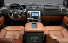 2008 Hummer H2 interior