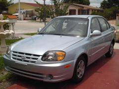 2003 Hyundai Accent Photo 1
