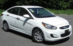 2012 Hyundai Accent Photo 1