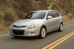 2010 Hyundai Elantra Touring Photo 1