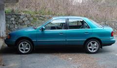 1993 Hyundai Elantra Photo 4