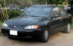 1997 Hyundai Elantra Photo 2