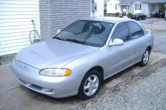 1998 Hyundai Elantra Photo 1