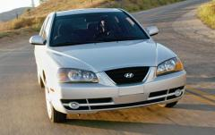 2004 Hyundai Elantra exterior