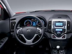 2009 Hyundai Elantra Photo 2