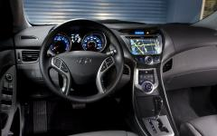 2012 Hyundai Elantra Photo 2