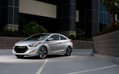 2013 Hyundai Elantra Photo 2